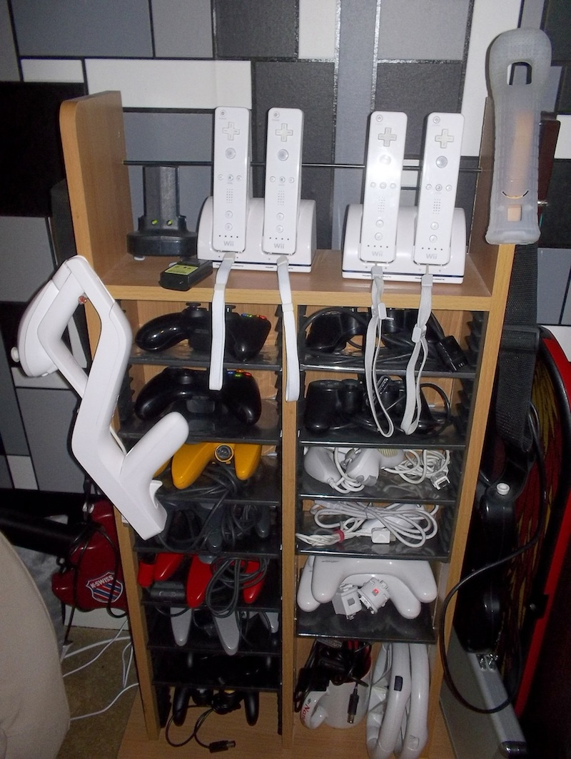 Whole game controller rack